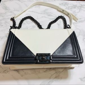CHANEL Bags - ❌SOLD❌CHANEL New Medium Le Boy Bag